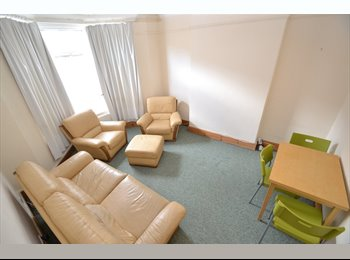 EasyRoommate UK - 26 Cosmeston Street - Cathays, Cardiff - £275