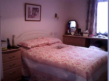 EasyRoommate UK - Self contained one bed flat within family house - Nailsea, Bristol - £750