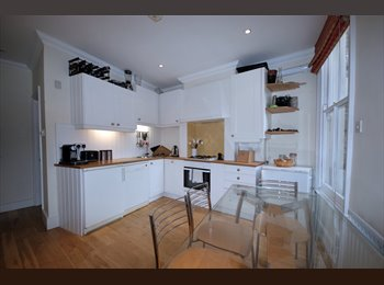 double room in 2 person flat share available