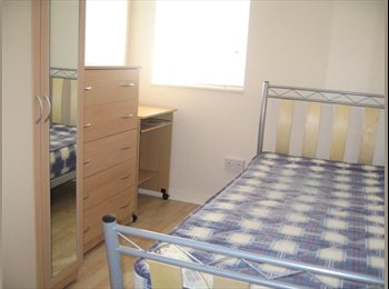 EasyRoommate UK - Room Available in Refurbed House Abingdon Town - Abingdon, Oxford - £380