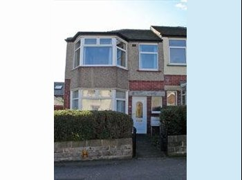 EasyRoommate UK - Furnished room in beautiful house in Sheffield - Crookes, Sheffield - £260