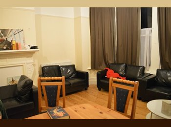 EasyRoommate UK - Huge double room to rent in Highfield - Portswood, Southampton - £398