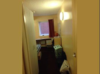 EasyRoommate UK - Room available - Leighton halls - Preston, Preston - £300