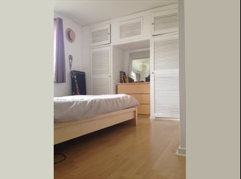 EasyRoommate UK - Lovely furnished double room in flat with sea view - Brighton, Brighton and Hove - £600