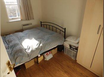 Double room available near Canary Wharf