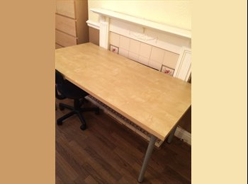 EasyRoommate UK - Large double room, shared house. Available now! - Lincoln, Lincoln - £300