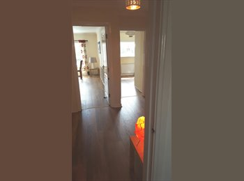 Double room in lovely, large modern flat.