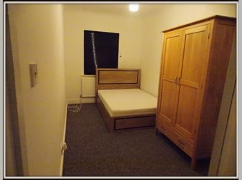 EasyRoommate UK - double room in Tolworth - London, London - £470