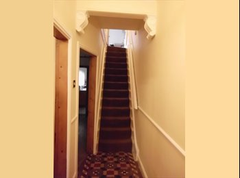 EasyRoommate UK - Attic room to let - Chester, Chester - £380