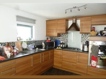 Double Rooms Available in Modern House - Aubrey Rd
