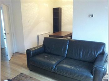 EasyRoommate UK - Room for rent Surbiton Road - Kingston upon Thames, London - £433