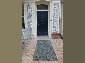 EasyRoommate UK - Room available, en suite bathroom, double bed - Plymouth, Plymouth - £370