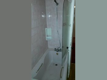 EasyRoommate UK - VERY CLEAN HOUSE WITH DOUBLE AND SINGLE ROOMS - Seven Kings, London - £563