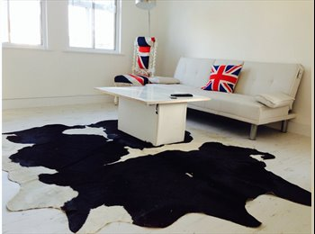 EasyRoommate UK - Spacious penthouse brand new apartment - Langley, Slough - £500
