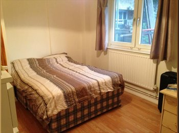 EasyRoommate UK - Flat WITH LIVING ROOM: Big double room available b - Old St and Clerkenwell, London - £850