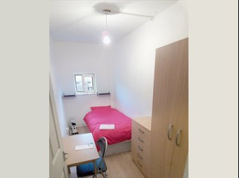 EasyRoommate UK - A fully furnished room in a 3-bed flat. Short stay - Camden, London - £450