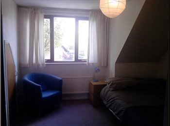 EasyRoommate UK - Double bedroom, Old Woking - Old Woking, Woking - £525