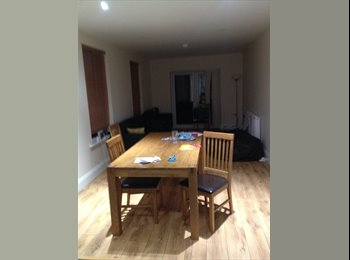 EasyRoommate UK - Room available in 8 bed house - Southampton, Southampton - £424