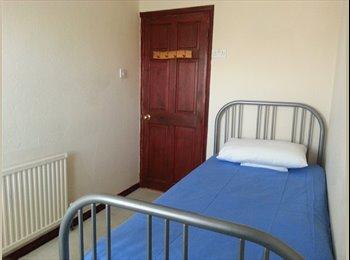 EasyRoommate UK - 1 Bedroom Space - 15 mins from Gravesend Station - Gravesend, Gravesend - £400