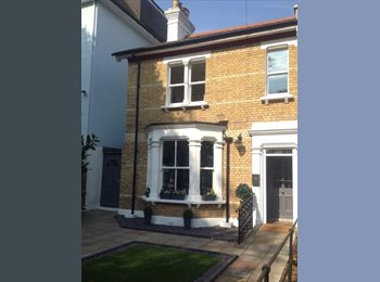 EasyRoommate UK - Dble Room in Great Large House - 1 Sharer, Station - Southend-on-Sea, Southend-on-Sea - £480