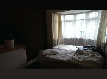 EasyRoommate UK - DOUBLE ROOM £ 200 PW - KENSAL RISE - Willesden, London - £867