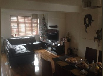 EasyRoommate UK - Double room near reading station - Reading, Reading - £450
