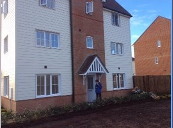 EasyRoommate UK - 4 bedroom new build house in Dartford - Dartford, London - £450