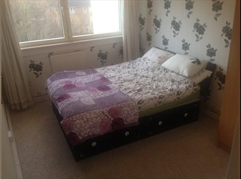EasyRoommate UK - 2 Double bedrooms Flatshare - Woolwich, London - £500