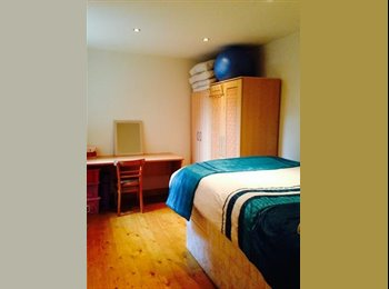 EasyRoommate UK - Lrg Dbl nxt to station to access City/Liverpool St - Stoke Newington, London - £750