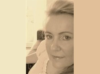 EasyRoommate UK - Ruth - 49 - Guernsey