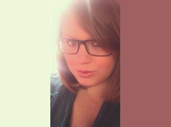 Rachel - 21 - Professional