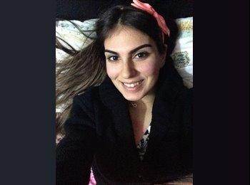 Zehra - 19 - Student