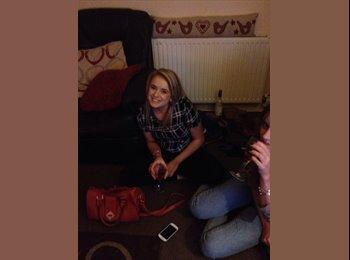 EasyRoommate UK - Megan - 22 - Cheltenham