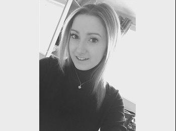 EasyRoommate UK - Lauren  - 18 - Grimsby
