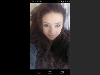 EasyRoommate UK - Melissa  - 18 - Hemel Hempstead