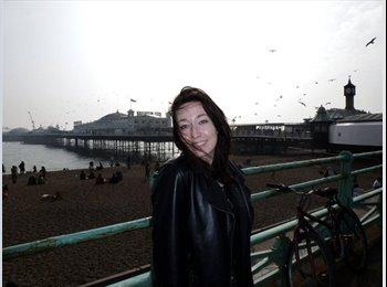 EasyRoommate UK - Gigi - 23 - Brighton and Hove