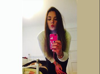 EasyRoommate UK - Monica - 19 - Brighton and Hove