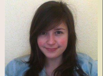 EasyRoommate UK - Emily - 21 - Bristol