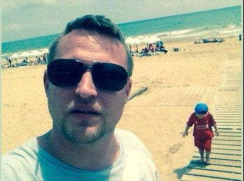 EasyRoommate UK - Ricky - 32 - Swindon