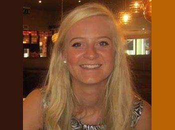 EasyRoommate UK - Rebecca - 22 - Northampton