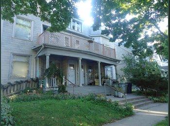 EasyRoommate US - Room in Milwaukee - Downtown, Milwaukee Area - $450