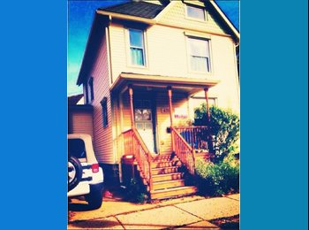 Room for FEMALE sublease! Spring/ Summer term