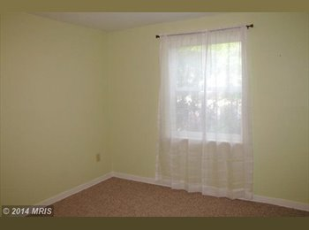 Beautiful townhouse in Columbia; nice and safe area