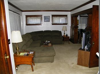 Rooms for rent in spacious home St. Paul Midway.