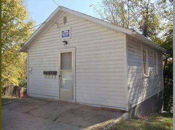 EasyRoommate US - Cute and cozy studio apartment for 2015-2016! - Parma, Other-Ohio - $475