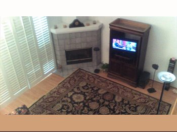 Townhome Room to Rent & More (1000 utilities incl)