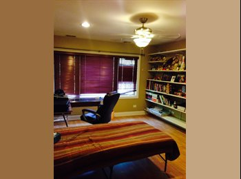 EasyRoommate US - $650 Beautiful Room for RENT In safe, nice neighbo - Forest Glen, Chicago - $650