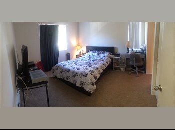 EasyRoommate US - Roommates moving, master bedroom and bath - Escondido, San Diego - $1000