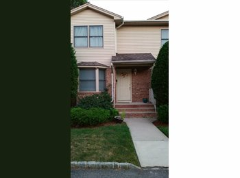 EasyRoommate US - Modern Townhouse to Share in Clifton - Clifton, North Jersey - $1000