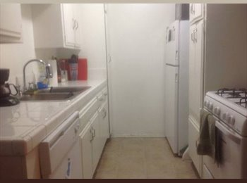 Room Available in 3br Apartment (North Hollywood)